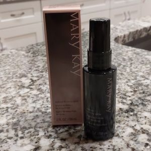 Mary Kay make up finishing spray